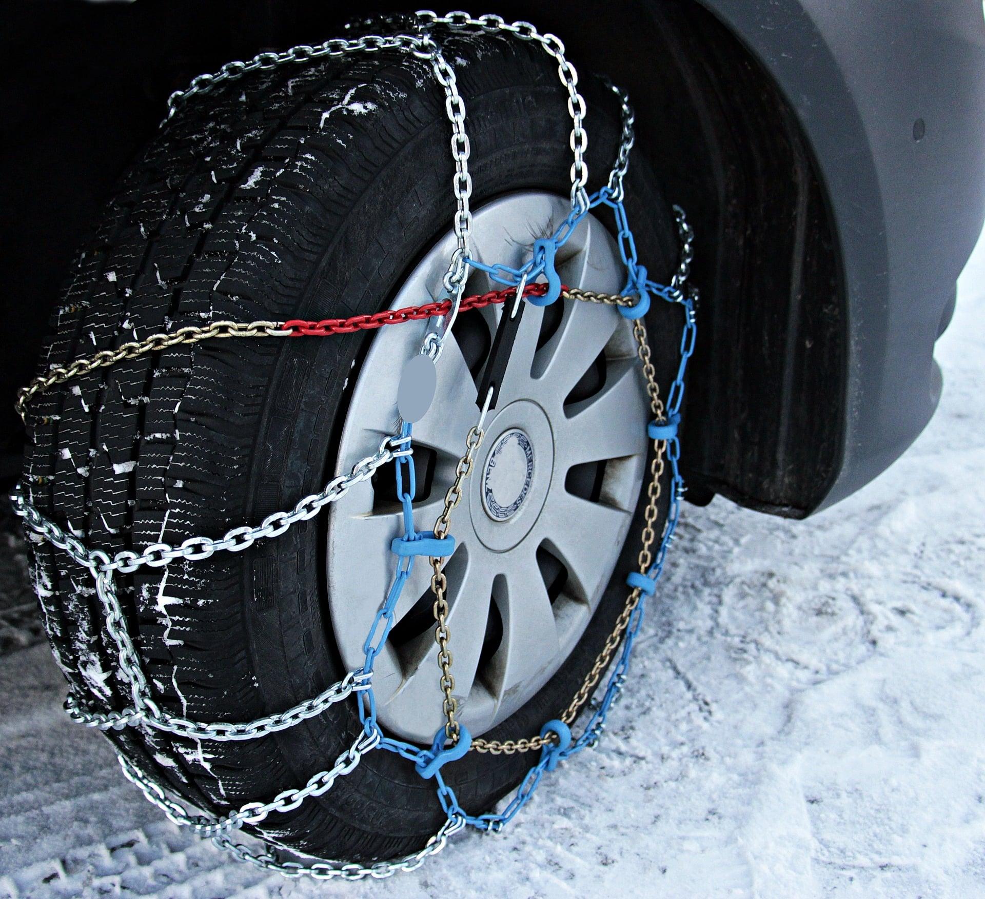 snow-chains-3029596_1920